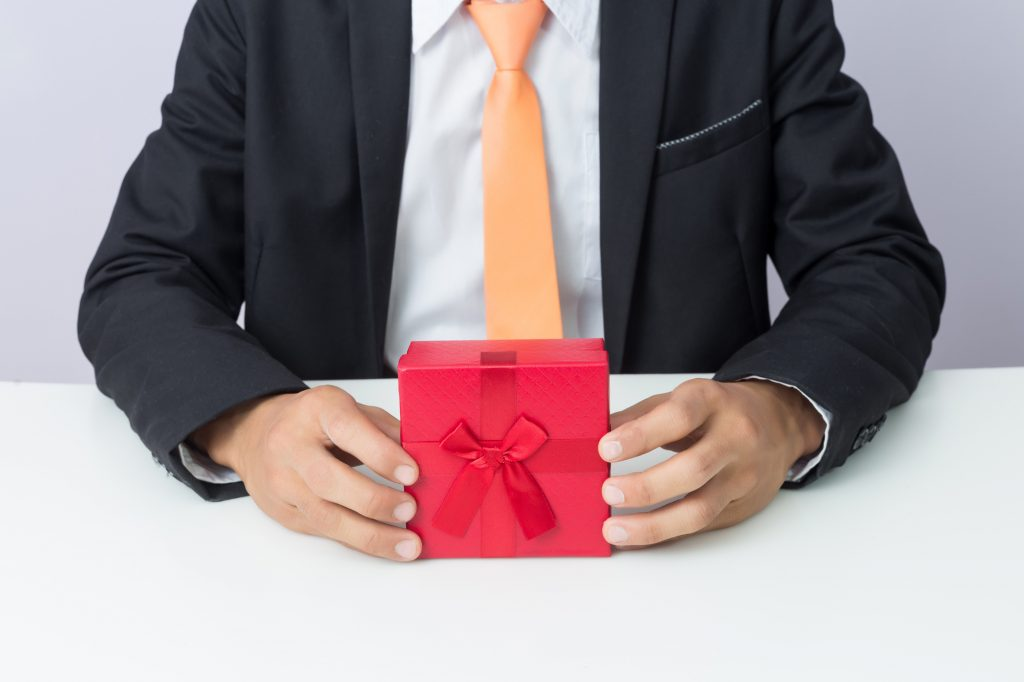 Top 7 Corporate Gifting Ideas To Promote Brand Awareness
